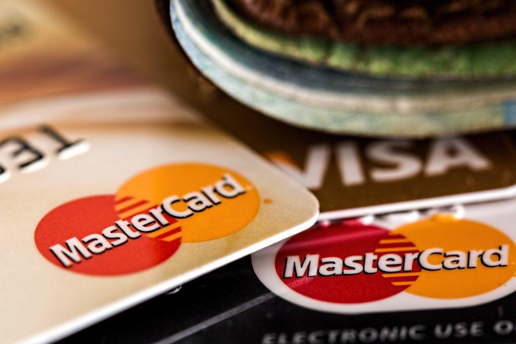クレジットカードのセルフバック