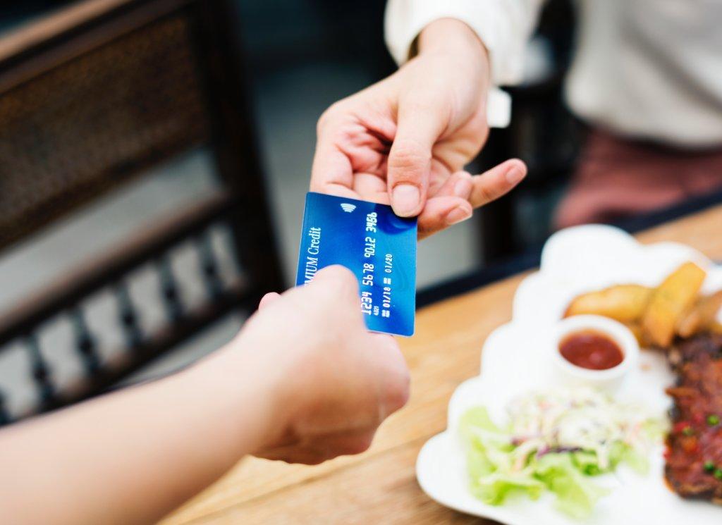 オオサカ堂はクレジットカードが使えない